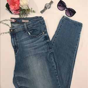 Eunina Skinny Jeans